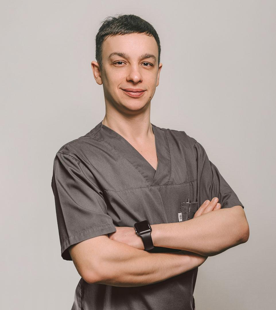 Пасичник-Юрий-Геннадиевич,-стоматолог-терапевт